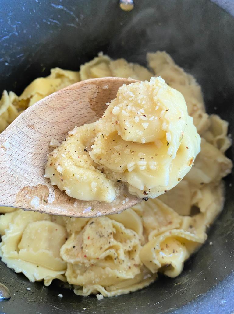 Tortellini Recipe: 15-Minute Garlic Butter Tortellini