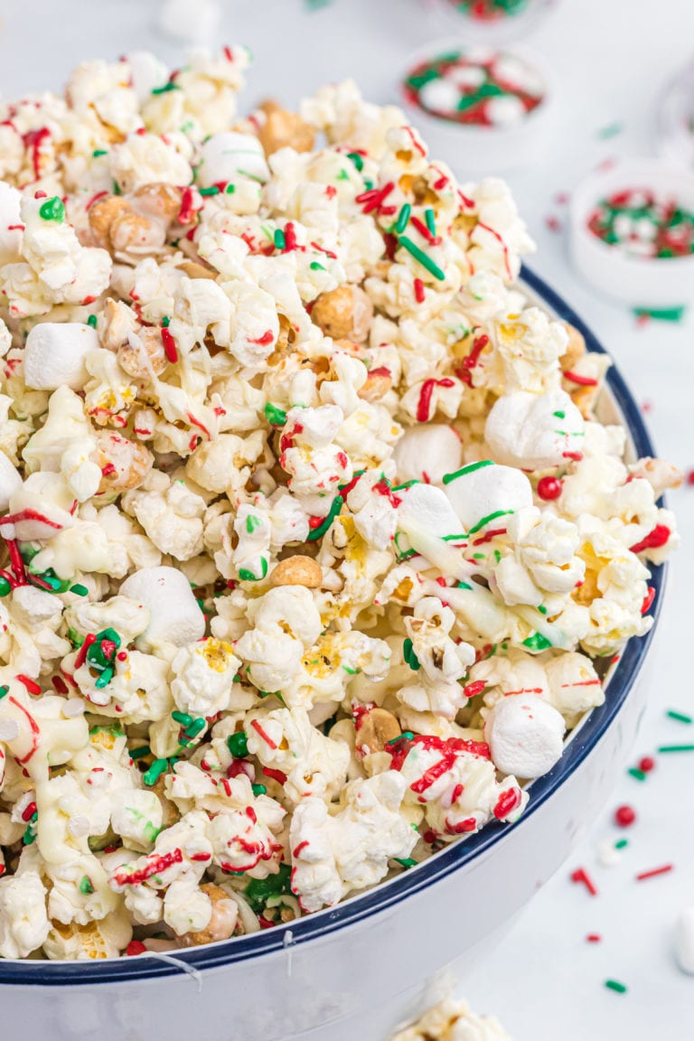 White Chocolate Popcorn for Christmas!